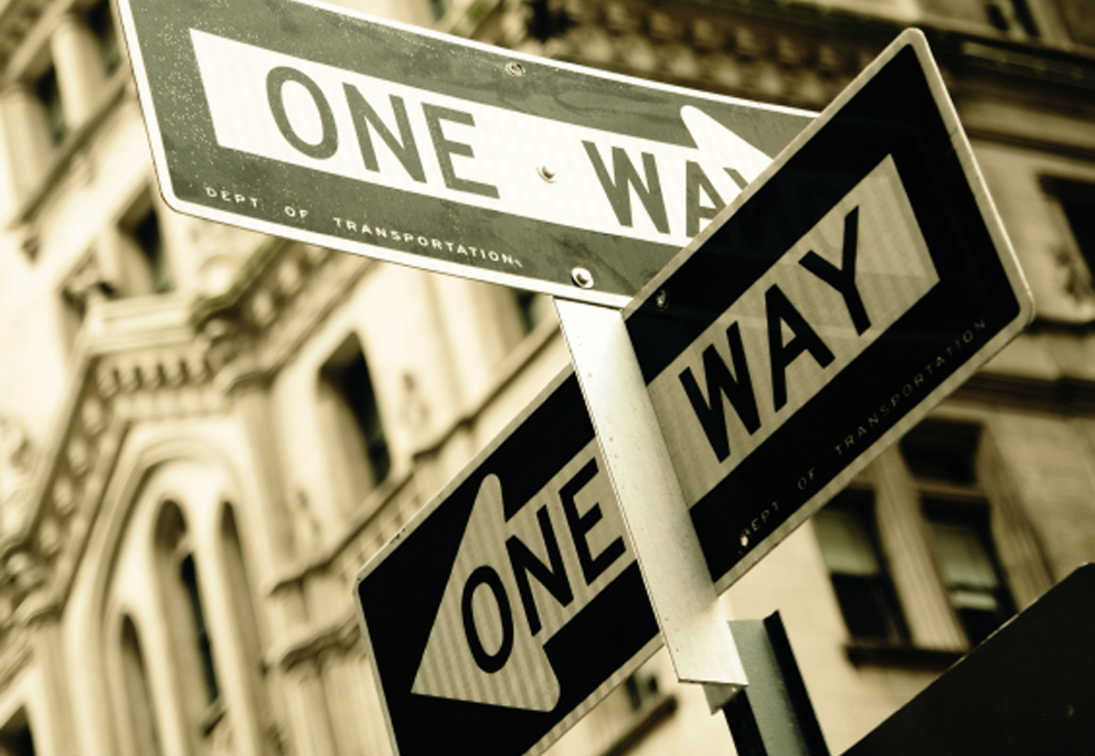 one way sign image